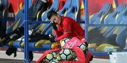 Người hùng Quang Hải lặng lẽ khóc nức nở sau bàn thắng lịch sử vào lưới U23 Úc