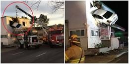 Tai nạn hy hữu và khó hiểu nhất thế giới: Ô tô 'vắt vẻo' tại cửa sổ tầng hai của ngôi nhà