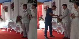 Trào lưu mừng đám cưới gây sốt nhất hiện nay: Đi đám cưới cà thẻ không cần mang theo phong bì