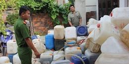 'Rùng mình' cơ sở sản xuất nước mắm bằng muối và nước giếng
