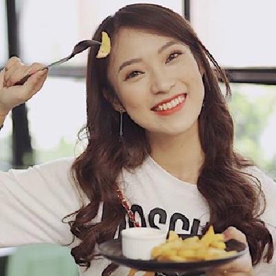 Cô nàng Khánh Vy