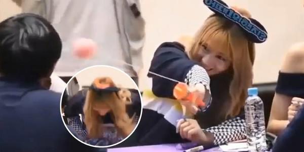 Vô tình khiến fan bị thương, và đây là những biểu cảm tội lỗi dễ thương hết nấc của các Idol Kpop