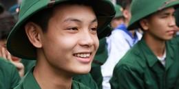 1.200 thanh niên Hà Nội viết đơn tình nguyện nhập ngũ