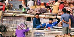 Đón Tết trên sông nước của người miền Tây khiến khách du lịch thích mê trong suốt kỳ nghỉ Tết