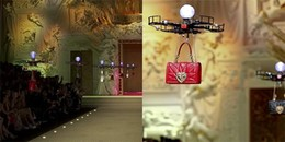 Chê mẫu không đủ tầm, Dolce&Gabbana dùng hẳn máy bay điều khiển từ xa để giới thiệu túi xách