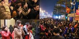 Người dân Hà Nội ngồi đầy vỉa hè, tràn ra lòng đường giải hạn sao La Hầu