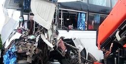 Xe cứu hỏa đi ngược chiều để làm nhiệm vụ, va chạm với xe khách khiến 1 chiến sĩ PCCC tử vong