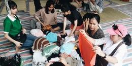 Những người dân tốt bụng đến 1h sáng vẫn miệt mài mang đồ đến cứu trợ các cư dân sau hoả hoạn