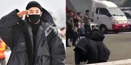 Taeyang quỳ gối cám ơn, quyến luyến chào V.I.P đến giây cuối cùng trước khi nhập ngũ