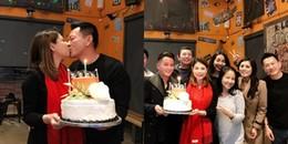 yan.vn - tin sao, ngôi sao - Thanh Thảo hạnh phúc hôn bạn trai đại gia đắm đuối trong tiệc sinh nhật