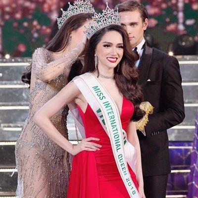 Lâm Khánh Chi bất ngờ lên tiếng về chiến thắng của Hương Giang Idol