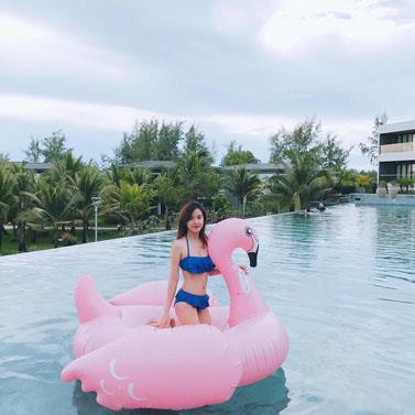Mùa hè cận kề, Midu đã khoe ảnh diện bikini đầy gợi cảm