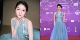 Không còn là 'thảm họa thời trang', Quan Hiểu Đồng đẹp rạng rỡ tại LHP Bắc Kinh