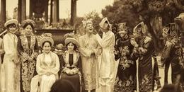 Lớp học chuyên Sử 'chất' đến mức hóa thân thành hoàng tộc để tái hiện lịch sử Việt Nam qua bộ kỷ yếu