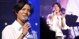 Da ngăm đen, tóc bổ luống lòa xòa đi dự fan meeting, chuyện gì đã xảy ra với hoàng tử Park Bo Gum?