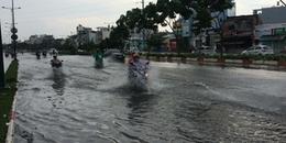 Sài Gòn đang mưa lớn kèm theo giông trong ngày lễ 30/4