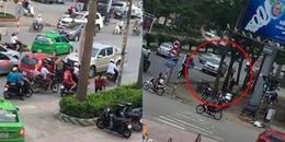 CĐM phẫn nộ trước video xe ô tô điên đi ngược chiều bị chặn, lùi xe gây tai nạn chết người đi xe đạp