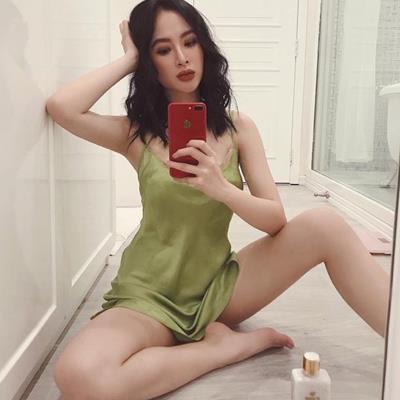 Khi mỹ nhân Việt ở nhà cũng xinh đẹp hơn người chẳng kém gì với hình ảnh khi dự sự kiện
