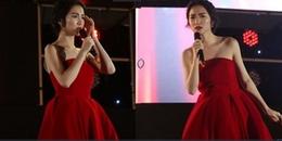 Hoà Minzy quên sạch lời bài hát trên sóng trực tiếp phải cầu cứu khán giả