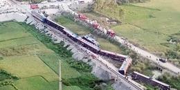 Cận cảnh hiện trường vụ tai nạn kinh hoàng giữa tàu hỏa và xe ben khiến nhiều người thương vong