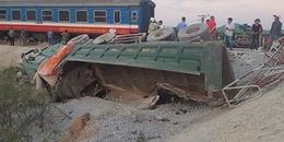 Vụ tàu hỏa đâm xe chở đá ở Thanh Hoá: Tạm giữ hình sự 2 nhân viên gác chắn tàu để điều tra