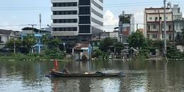 Chìm ghe hơn 100 tấn ở Sài Gòn, 3 người may mắn thoát chết