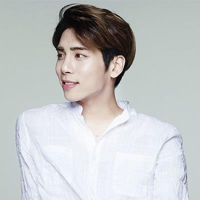 Quá thương nhớ JongHyun, Taeyeon đã lặng lẽ làm điều này