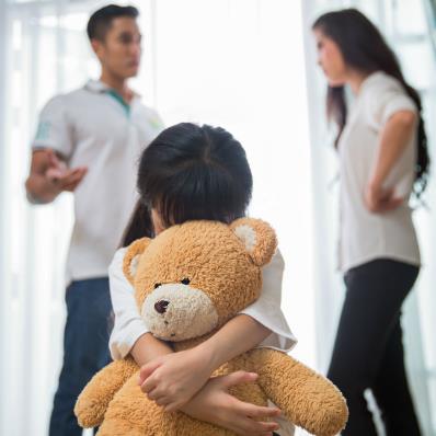 Muốn trẻ không hư hỏng, cha mẹ tuyệt đối đừng làm 6 điều nhạy cảm trước mặt con