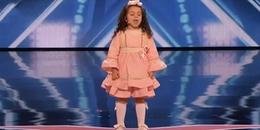Bé gái 5 tuổi đốn tim giám khảo America's Got Talent vì mức độ siêu dễ thương của mình