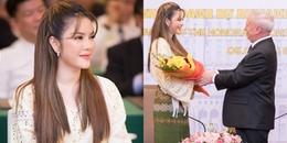 yan.vn - tin sao, ngôi sao - Lý Nhã Kỳ xinh đẹp, sang trọng trong buổi nhận chức Lãnh sự Danh dự Romania