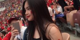 Danh tính cô nữ sinh người Việt xinh đẹp, ngồi trên khán đài xem World Cup khiến dân tình ghen tị