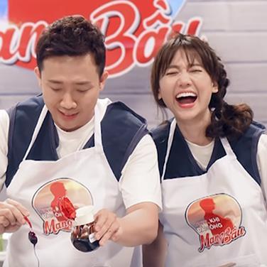 Vụng về khi nấu ăn đã đành, Trấn Thành - Hari Won còn