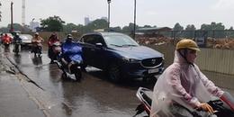 Hà Nội bất ngờ đón cơn mưa rào giải nhiệt sau nhiều ngày nắng nóng kinh hoàng