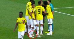Cận cảnh cầu thủ Colombia 'chơi xấu' để phá cú sút penalty của Harry Kane