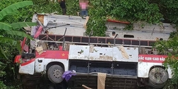 Tai nạn kinh hoàng: Xe khách lao xuống vực ít nhất 4 người chết, nhiều người bị thương