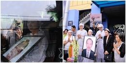 Vợ NSƯT Thanh Hoàng đi không vững, khóc ngất trên xe tiễn đưa chồng về với đất