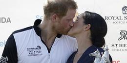 Hoàng tử Harry và Công nương Meghan lại phá vỡ nguyên tắc hoàng gia vì làm điều này ở nơi công cộng