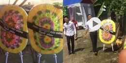 Thấy bố và nhân tình trẻ kết hôn, hai con gái gửi 'vòng hoa tang' đến mừng cưới khiến CĐM xôn xao