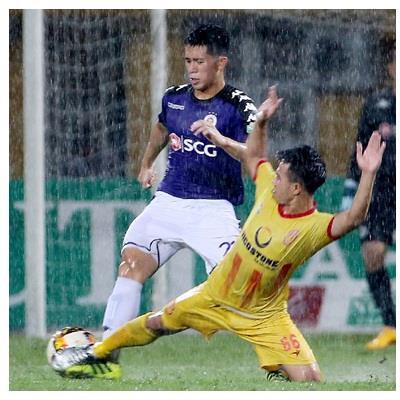 Điểm nhấn vòng 19 V-league 2018: Duy Mạnh và Đình Trọng đá như trẻ tập sự, Hà Nội FC suýt thảm bại