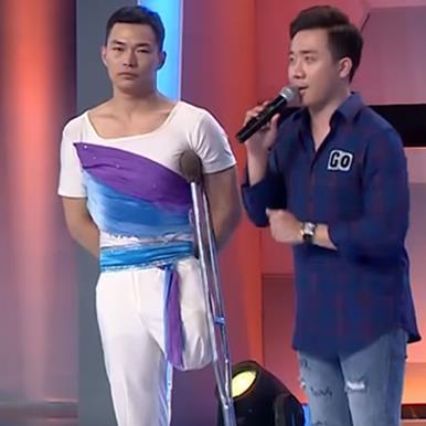 Trấn Thành bắn tiếng Hoa như gió với diễn viên múa khuyết tật người Trung Quốc