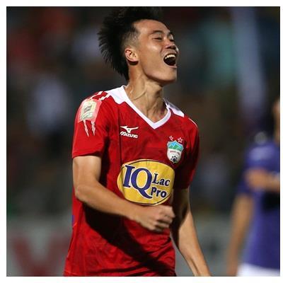 Điểm nhấn vòng 17 V-league 2018: Văn Toàn và Phan Văn Đức bùng nổ trong ngày sắm vai kép chính