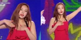 Joy (Red Velvet) gặp sự cố trang phục suýt tuột váy trên sân khấu, fan kêu gào chê trách stylist SM