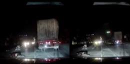 Clip: Container bỏ chạy sau khi kéo lê người cùng phương tiện trong đêm khiến CĐM phẫn nộ