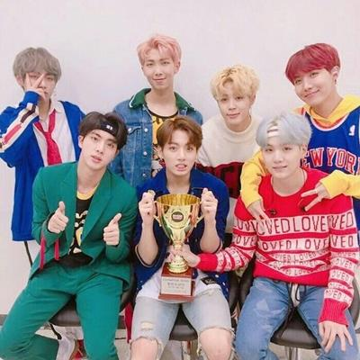 EXO sẽ có sân khấu kết hợp với BTS vào cuối năm, fan hai bên tạm ký