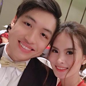 Chị gái vừa lên xe hoa, con trai hot boy Hồng Vân cũng đang hẹn hò với bạn gái ca sĩ