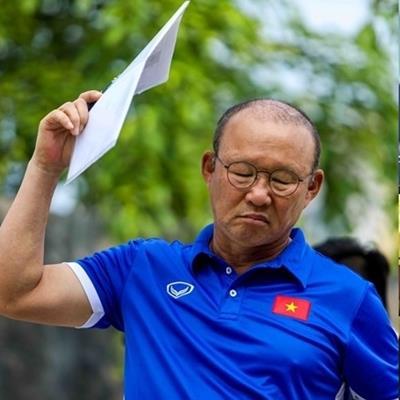 Dân mạng phẫn nộ khi tuyển nữ Việt Nam tiếp tục gặp khó khăn, HLV Park Hang Seo bị gạch tên
