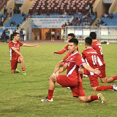 Đội hình mạnh nhất của U23 Việt Nam chính thức ra sân khởi động chuẩn bị cho trận đấu đầy kỳ vọng