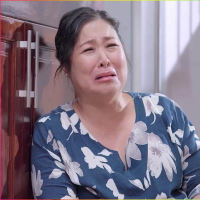 Phải ôm đồm quá nhiều việc, bà Mai khóc nấc: