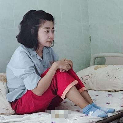 Mai Phương bị tác dụng phụ của thuốc, chỉ than nhưng không dám khóc