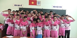 CĐM bật cười trước đồng phục lớp 'hồng hồng tuyết tuyết' siêu 'lầy' của teen Vĩnh Long